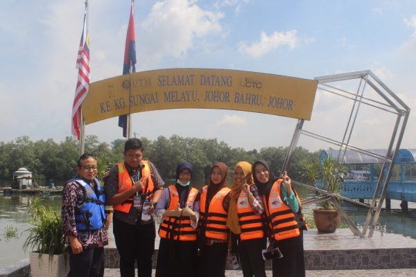 Mahasiswa Teknik Industri UNS Mengikuti Summer School 2017 di UTM Malaysia